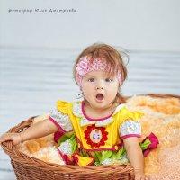 девочка в корзинке :: Юлия Дмитриева