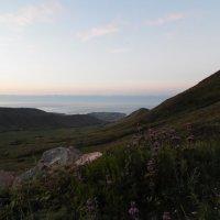 Утро над Чолпон-ата :: Андрей Солан