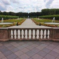 Парк перед замком :: Alexander Andronik