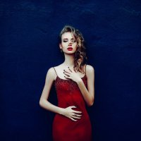 The Lady in Red :: Ruslan Bolgov