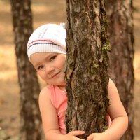 Девочка в лесу) :: Ануш Хоцанян