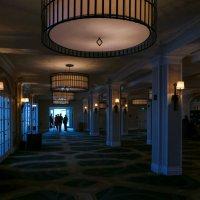 """Заходим в холл отеля """"Fairmout Algonquin"""" (S.Andrews, New Brunswick, Canada) :: Юрий Поляков"""