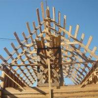 Этапы строительства-есть крыша дома моего :: Надежда