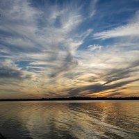 Закат с перистыми облаками 1 :: Galina