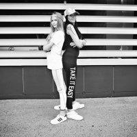 Мама и дочка на прогулке :: Sasha Black