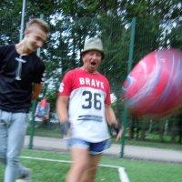 и в 76 играют футбол :: Ольга Заметалова