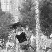Танцы на воде... :: Павел