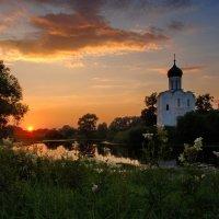 Церковь Покрова на Нерли :: Валерий Толмачев