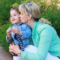 Мама с дочкой :: Наталья