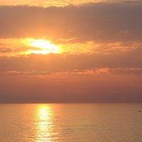 Багряный закат в Сочи :: Vladimir 070549