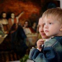 В храме :: Леонид Дудко