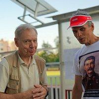 ТОВАРИЩИ СПОРТСМЕНЫ КТО НЕ МОЖЕТ ВЫИГРАТЬ ЗОЛОТО НА ОЛИМПИАДЕ ТОТ ПОЕДЕТ ЕГО ДОБЫВАТЬ :: Юрий Журавлев