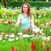 В окружении цветов :) :: Анастасия Белякова