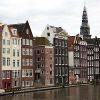 Амстердам буквально стоит на воде! :: Елена Павлова (Смолова)