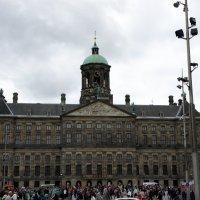 Королевский дворец на главной площади Амстердама - площади Дам :: Елена Павлова (Смолова)
