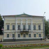 Здание Управления образования. Карла Маркса – 21. :: Наиля