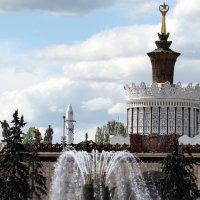 ритмы города-у фонтана каменный цветок :: Олег Лукьянов