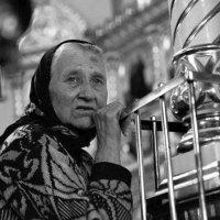 в храме :: Юрий Ивукин