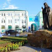 Памятник Серафиму Саровскому. :: Борис Митрохин