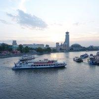 Вечер на Москве реке :: Svetlana Shalatonova
