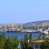 Порт Феодосия :: Виктор Шандыбин
