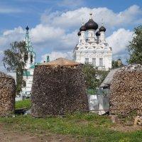 Церковь Троицы Живоначальной на Парусинке :: андрей иванов