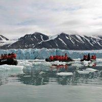 Высадка на ледник :: Tatiana Belyatskaya