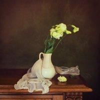 В белой вазе :: Надежда