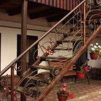 кованая лестница :: Александр Иванов