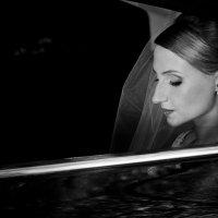 Загадочная невеста :: Олег Блохин