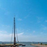 Бухта  у острова Маркен, Голландия :: Witalij Loewin