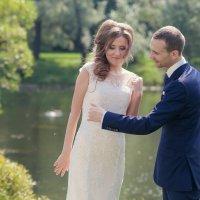 Невеста и пчела :: Вячеслав Никулин