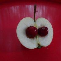 Яблочно-вишневый поцелуй... :: Алекс Аро Аро