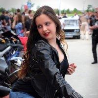 Подруга байкера :: Alexander Varykhanov