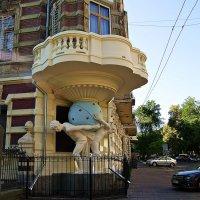 дом с атлантами :: Александр Корчемный