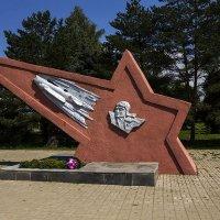 Памятный знак экипажу Гастелло в Починке :: Александр