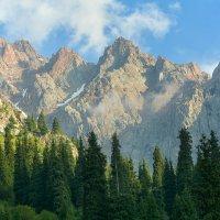 вечер в горах :: Горный турист Иван Иванов