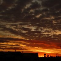 закат над городом :: Александр Прокудин