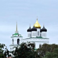 Троицкий собор, красная рябина :: Fededuard Винтанюк