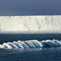Шпицберген. Ледник Бросвельбрин (Bråsvellbreen) :: Tatiana Belyatskaya