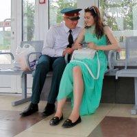 Влюблённые на станции. :: Мила Бовкун