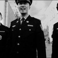 Бравая китайская полиция в Москве :: Василий Чекорин