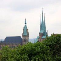 кафедральный собор Эрфурта (1170 год) и церковь святого Севера (1148 год). :: Olga