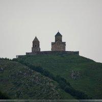 Монастырь в горах Грузии :: Павел Москалёв
