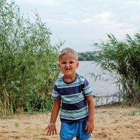Мальчик на пляже :: Евгения Ламтюгова