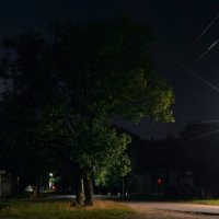Луна, фонарь ...и..... тишина... :: Петр Заровнев