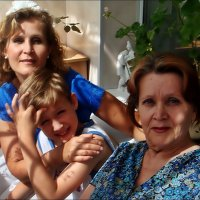 С мамой и бабушкой :: Нина Корешкова