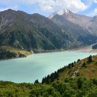 Озеро в горах :: Горный турист Иван Иванов