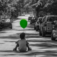 green balloon :: Dmitry Ozersky