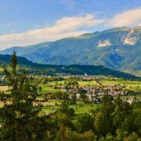 Вид из Бледского замка (Словения) :: Андрей Крючков